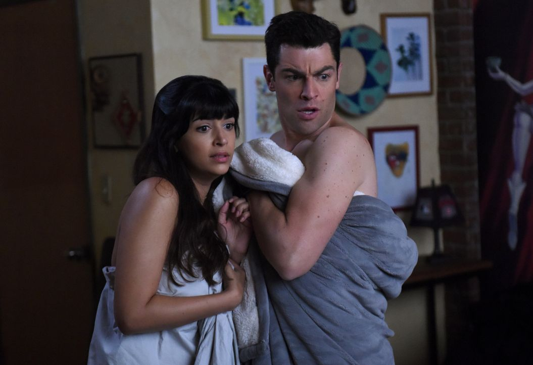 Haben ganz unterschiedliche Vorstellungen von ihrem geplanten Sex-Date: Cece (Hannah Simone, l.) und Schmidt (Max Greenfield, r.) ... - Bildquelle: 2018 Fox and its related entities.  All rights reserved.