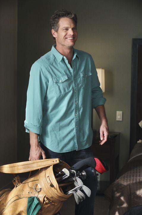 Tritt als lokaler Favorit bei einem Golfturnier an: Bobby (Brian Van Holt) ... - Bildquelle: 2010 ABC INC.