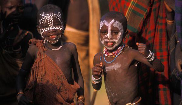 Kinder beim Tanzen - Bildquelle: Richard Gress