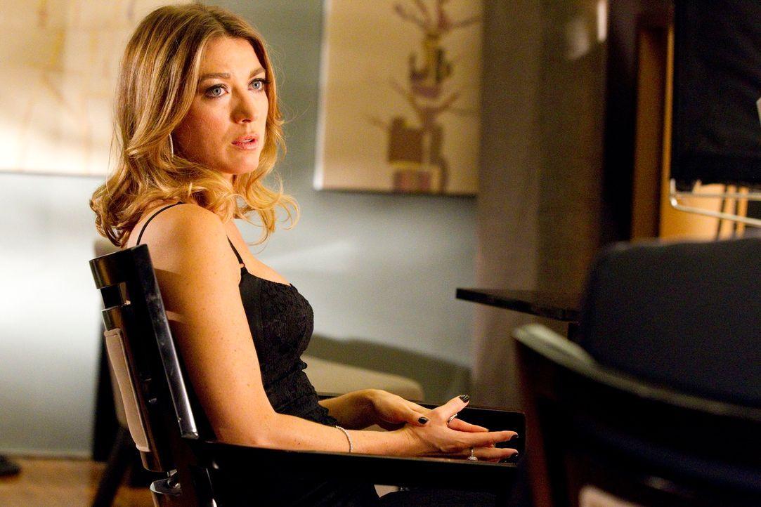 Wird beschuldigt, ihren betagten Mann absichtlich zu Tode kopuliert zu haben: Isabella (Natalie Zea) ... - Bildquelle: 2011 Sony Pictures Television Inc. All Rights Reserved.