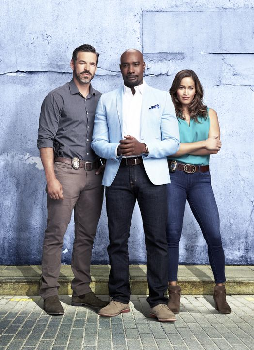 (2. Staffel) - Vor ihnen müssen alle Verbrecher von Miami zittern (v.l.n.r.): der neue Captain Ryan Slade (Eddie Cibrian), Pathologe Rosewood (Morri... - Bildquelle: 2016-2017 Fox and its related entities.  All rights reserved.