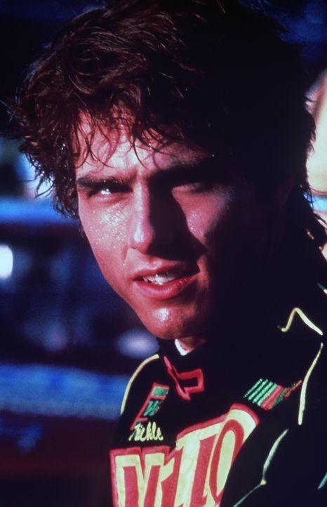 Cole Trickle (Tom Cruise) will um jeden Preis Rennfahrer werden, obwohl er diesen Sport nur aus dem Fernsehen richtig kennt ... - Bildquelle: Paramount Pictures