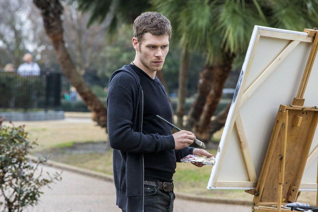 Hat Klaus (Joseph Morgan) seine Dämonen wirklich besiegt und kann er als anderer Mann neu beginnen - oder ist alles nur Show? - Bildquelle: Warner Bros. Television