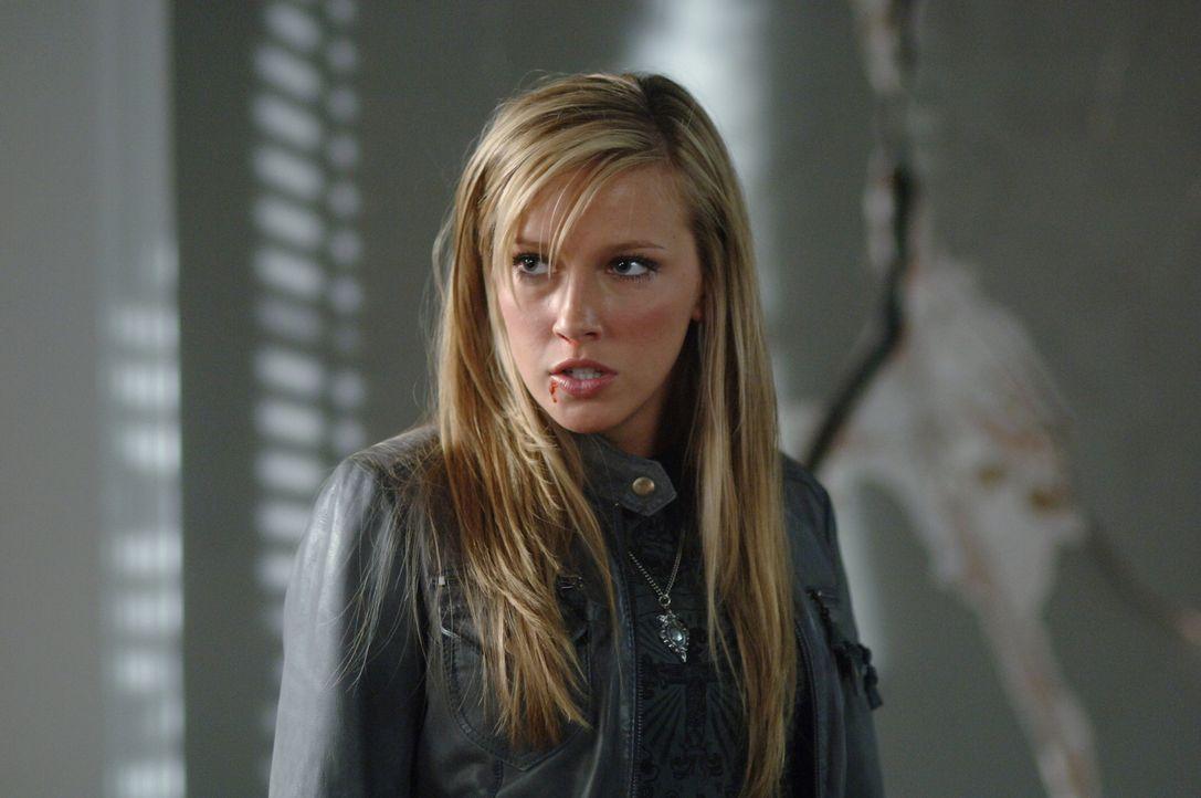 Wird sie Dean und Sam unterstützen? Ruby (Katie Cassidy) ... - Bildquelle: Warner Bros. Television