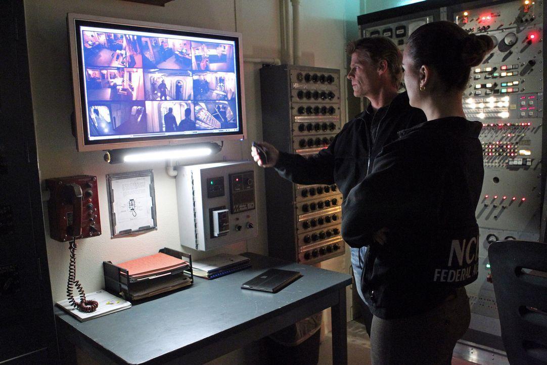 Versuchen, einen Mordfall aufzuklären: NCIS Special Agent Stan Burley (Joel Gretsch, l.) und Ziva (Cote de Pablo, r.) ... - Bildquelle: CBS Television