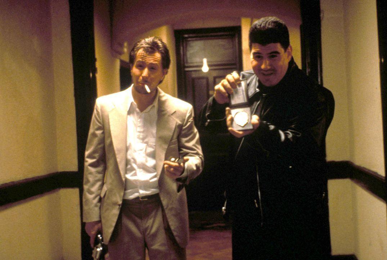 Ein eiskalter Killer: Der zwielichtige Cop Norman Stansfield (Gary Oldman, l.) will Rache an Mathildas Vater wegen gestreckter Drogen nehmen ... - Bildquelle: Gaumont