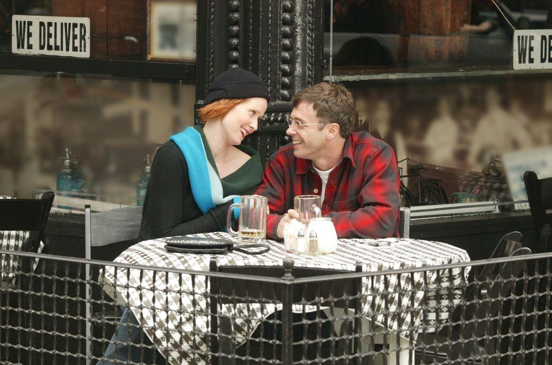 Überglücklich und zufrieden: Miranda (Cynthia Nixon, l.) und Steve (David Eigenberg, r.) ... - Bildquelle: Paramount Pictures