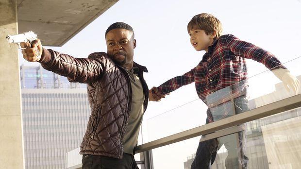 Bei dem Fall müssen Carter (Justin Hires, l.) und Lee Richie Jr. (Kadan Rocke...