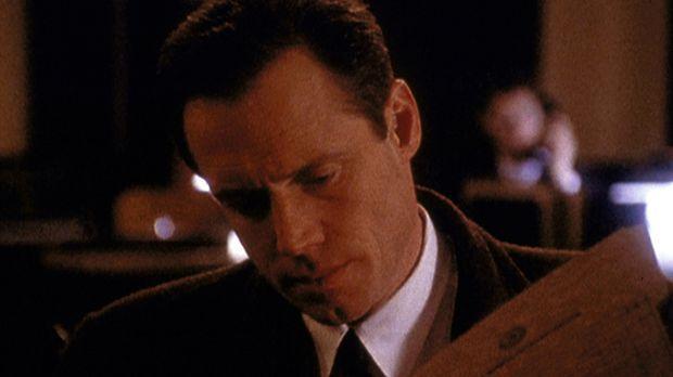 Agent Dales (Frederic Lane) findet heraus, dass der von ihm verhaftete Mörder...