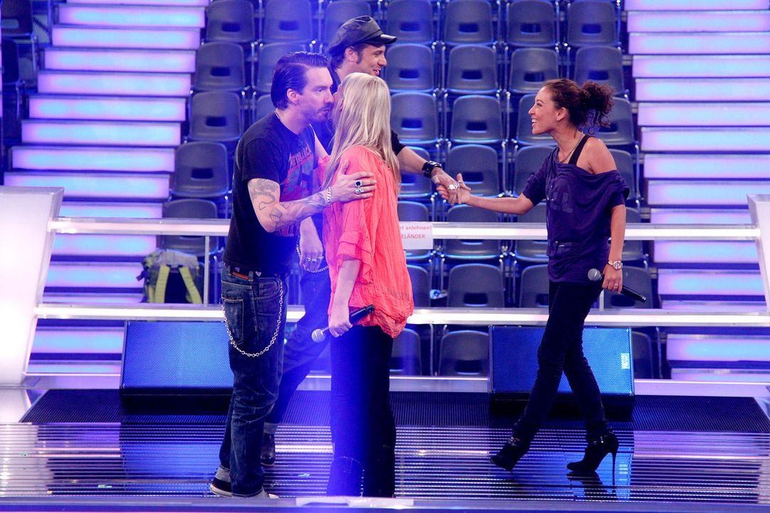 battle-alina-vs-christin03-the-voice-of-germany-huebnerjpg 1700 x 1133 - Bildquelle: SAT1/ProSieben/Richard Hübner