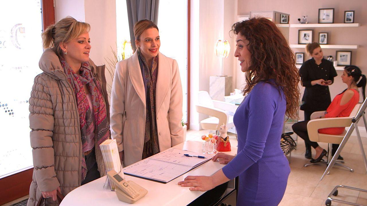 Ihr Leben geht turbulent weiter: Christina (l.), Niki (M.) und Francesca (r.) ... - Bildquelle: SAT.1
