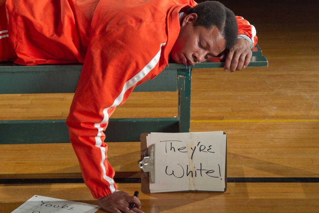 Versucht bis zur Erschöpfung, seinem Team klarzumachen, dass es gewinnen kann, weil sie dunkelhäutige Spieler sind: Coach Jackson (Terrence Howard)... - Bildquelle: Constantin Film Verleih GmbH