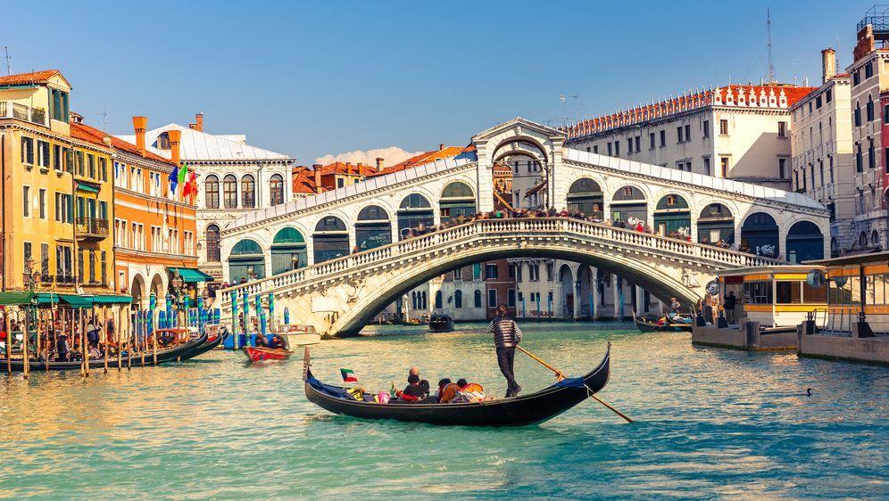 Ganze Folge: Rom und Venedig - Traumstädte mit großem Abzockpotenzial - Bildquelle: sborisov - Fotolia