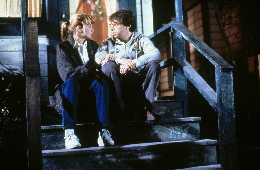 Obwohl Diane (Marcia Strassman, l.) ihren Mann Wayne (Rick Moranis, r.) wirklich liebt, wird ihre Zuneigung täglich auf eine harte Probe gestellt ... - Bildquelle: Walt Disney Pictures