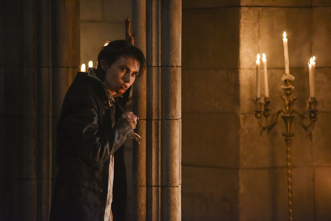 König Charles (Spencer Macpherson) wird immer unberechenbarer. Nachdem er ein junges Mädchen in Angst und Schrecken versetzte, greift er nun sogar s... - Bildquelle: John Medland John Medland/The CW -   2017 The CW Network, LLC. All Rights Reserved.
