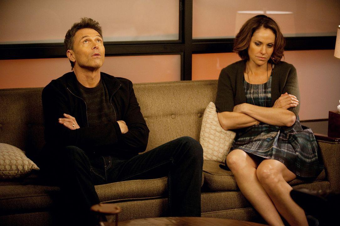 Wollen ihre Beziehung retten. Doch wird ihnen das gelingen? Pete (Tim Daly, l.) und Violet (Amy Brenneman, r.) ... - Bildquelle: ABC Studios