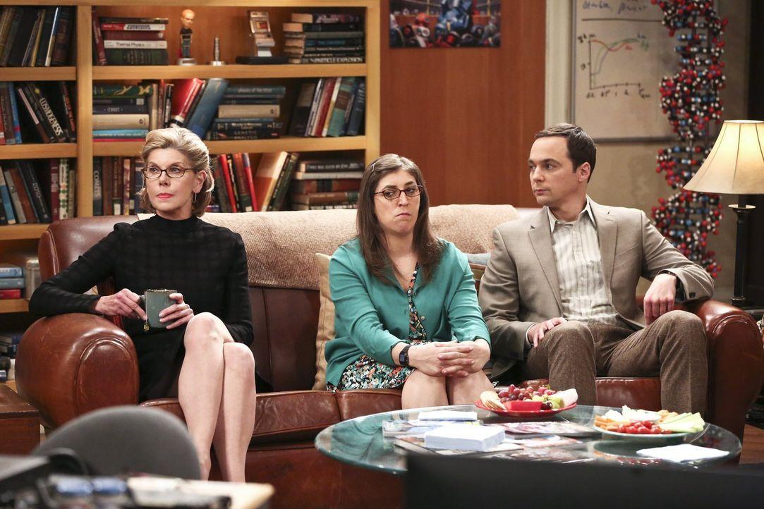Weil Leonard und Penny noch einmal heiraten möchten, laden sie Leonards Eltern und Sheldons Mutter Mary zur Feier ein. Doch nicht nur Amy (Mayim Bia... - Bildquelle: 2016 Warner Brothers