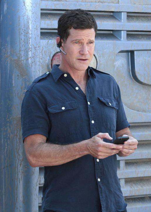Al (Dylan Walsh) versucht im Verhör mit allen Mitteln, von Eve herauszubekommen, wer ihre Komplizen waren. Doch erst mit Carries Hilfe gelingt ihm d... - Bildquelle: 2013 Sony Pictures Television Inc. All Rights Reserved.