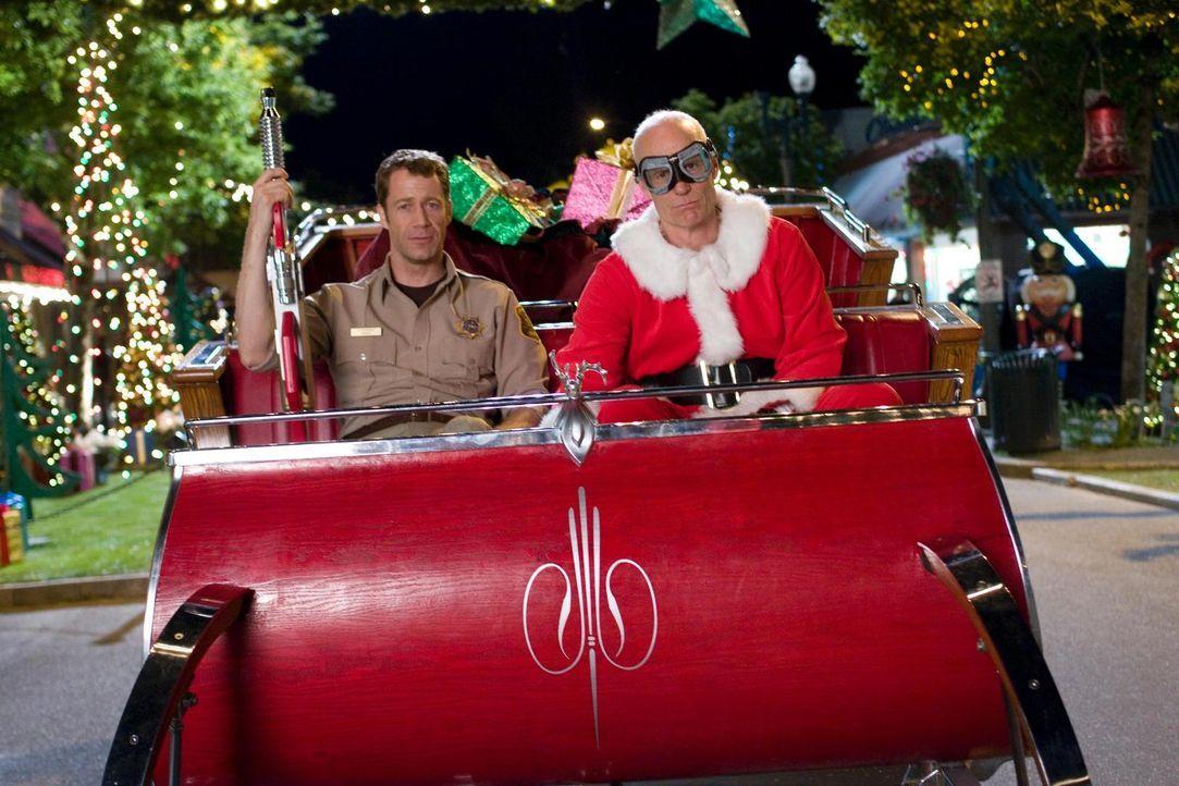Müssen Eureka retten: Jack (Colin Ferguson, l.) und  Taggert (Matt Frewer, r.) ... - Bildquelle: Universal Television