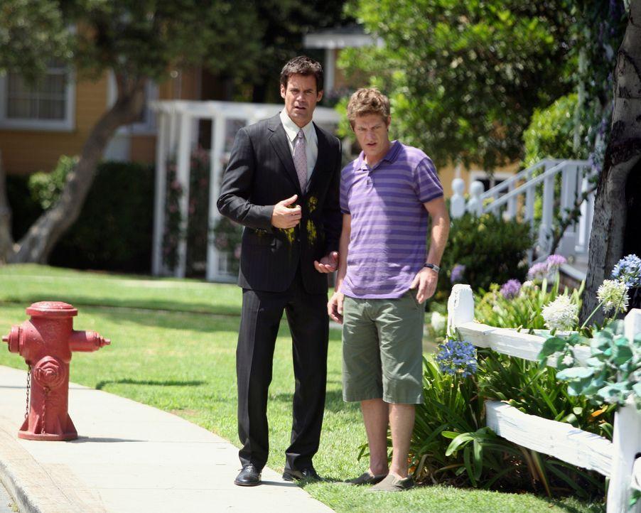 Susans Plan, sich bei Lee (Kevin Rahm, r.) und Bob (Tuc Watkins, l.) beliebt zu machen, schlägt fehl ... - Bildquelle: ABC Studios