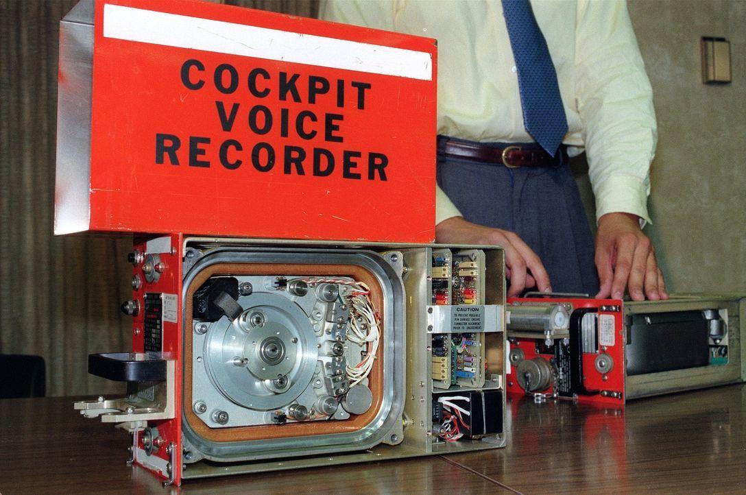 Die moderne Computertechnik macht Fliegen immer sicherer. Doch was, wenn ein Fehler im System vorliegt? Manchmal genügt ein kleiner Defekt - und ein... - Bildquelle: Chris Wilkins ImageForum/ AFP/Getty Images