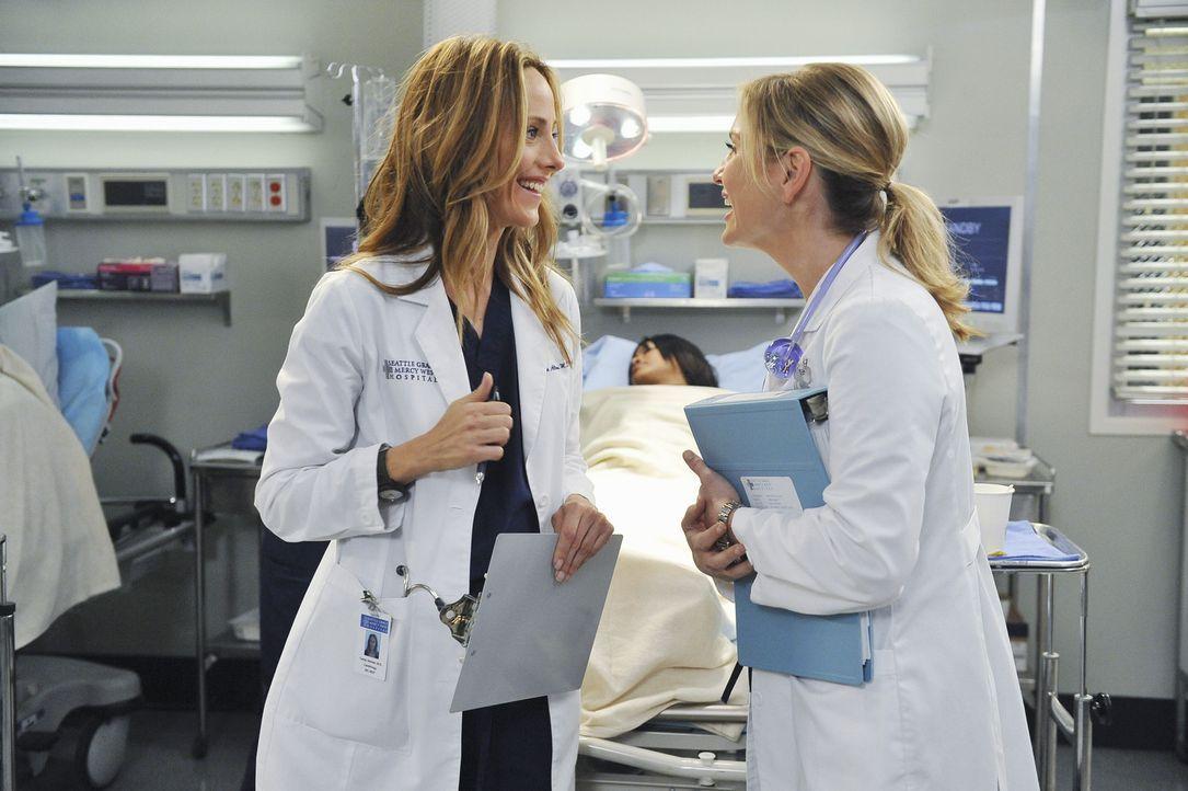 Arizona (Jessica Capshaw, r.), Teddy (Kim Raver, l.) und Cristina behandeln einen Mann, der eine Krebs-Therapie erfolgreich absolviert hat, Jetzt ab... - Bildquelle: Touchstone Television
