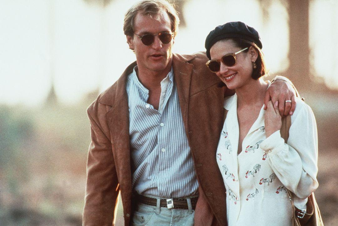 Schon als junge Studenten haben sich Diana (Demi Moore, r.) und David (Woody Harrelson, l.) geliebt. Ihr Glück scheint perfekt, bis David von dem Mi... - Bildquelle: Paramount Pictures