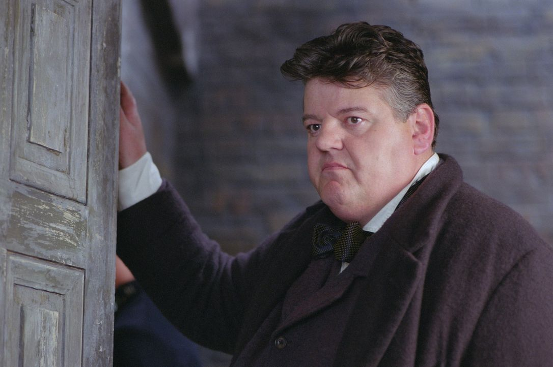 """Mitten in London werden immer wieder Prostituierte ermordert aufgefunden. Sergeant Peter Godley (Robbie Coltrane) versucht die Spur des Mörders """"Jac... - Bildquelle: 2001 Twentieth Century Fox Film Corporation. All rights reserved."""
