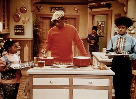 Bill Cosby Show - Cliff (Bill Cosby, 2.v.l.) und Clair (Phylicia Rashad) habe...