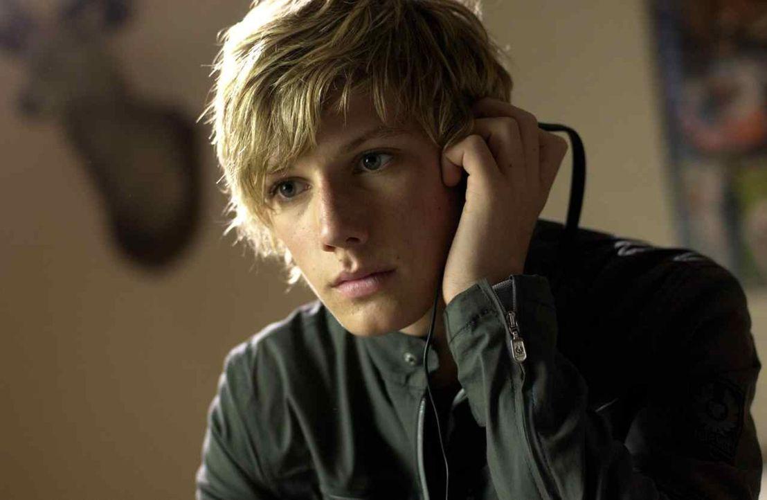 Nach dem Tod seines Onkels wird dem 14-jährigen Alex Rider (Alex Pettyfer) klar, dass dieser keineswegs der langweilige Banker war, für den er ihn... - Bildquelle: Liam Daniel Samuelsons / IoM Film.