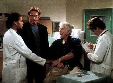 Diagnose: Mord - Amanda (Victoria Rowell, l.), Steve (Barry Van Dyke, 2.v.l.)...