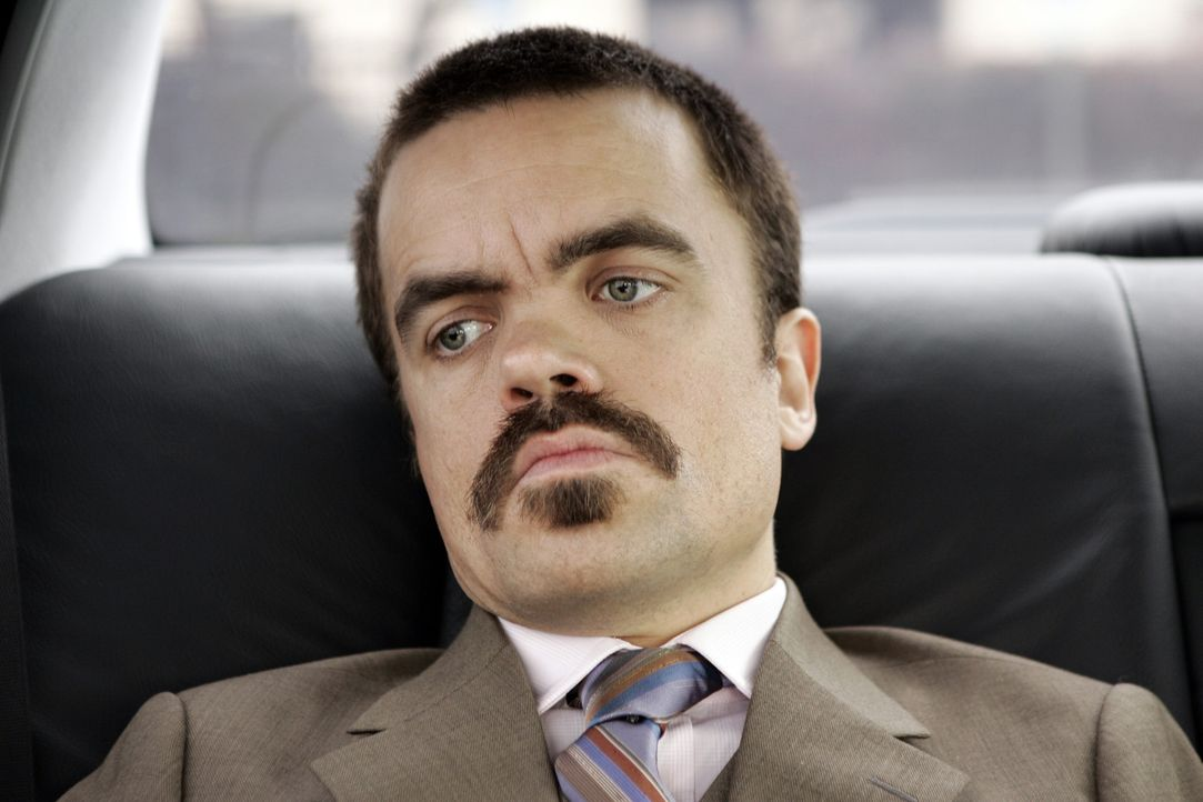 Ben Klandis (Peter Dinklage) ist der Anwalt von Jack DiNorsio und seinem Mafia-Clan, den die Staatsanwaltschaft unbedingt hinter Gittern sehen will.... - Bildquelle: 2006 Yari Film Group Releasing, LLC