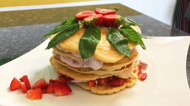 Erdbeer-Pfannkuchentorte