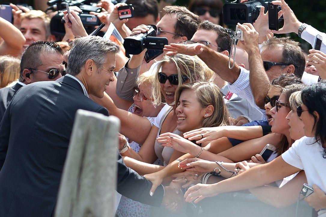 Filmfestival-Venedig-George-Clooney-Fans-13-08-28-2-AFP.jpg 1800 x 1198 - Bildquelle: AFP