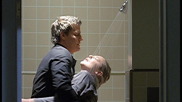 Angel (David Boreanaz, l.), der endlich einen Schlussstrich unter die Beziehu...