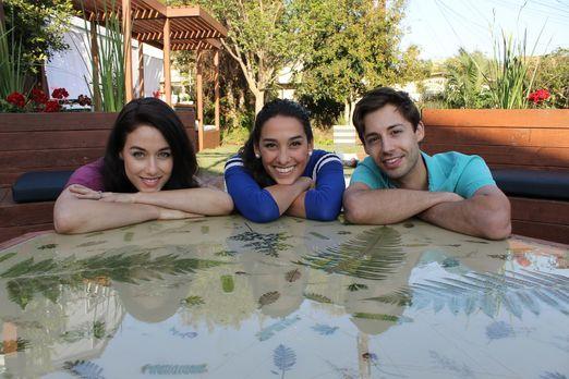 In ihrer Kindheit sind Jade (l.) und Shawn (r.) mit ihren Eltern häufig umgez...