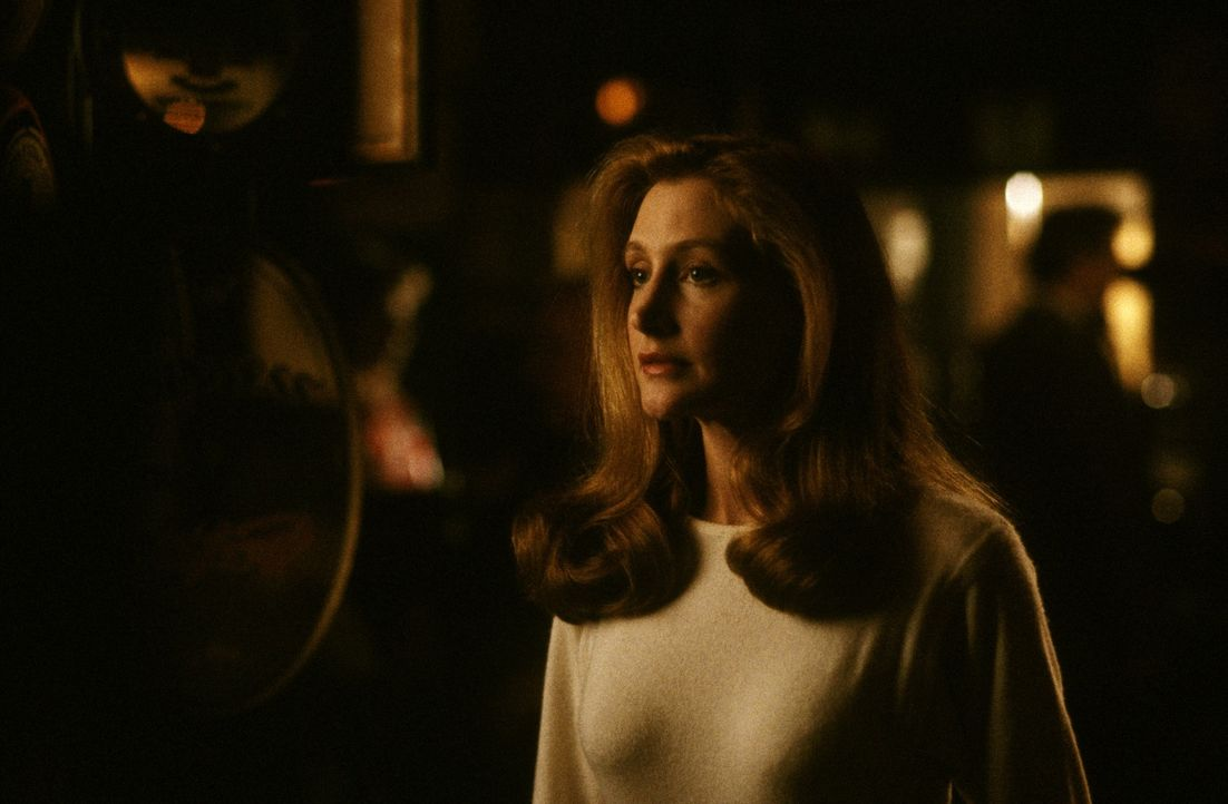 Samantha Walker (Patricia Clarkson) - Bildquelle: 1988 Warner Bros. Entertainment Inc. All rights reserved.