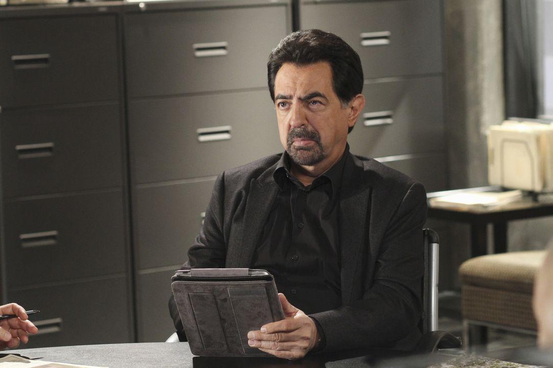 Für Rossi (Joe Mantegna) und seine Kollegen beginnt ein Wettlauf mit der Zeit, als in Johnson County eine Stripperin entführt wird ... - Bildquelle: ABC Studios