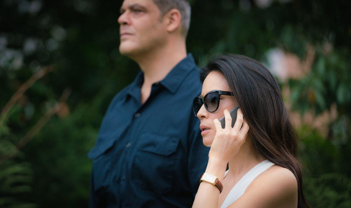 Joan (Lucy Liu) hält sich zwar im Hintergrund, hat aber alle Fäden in der Hand und kann so Holmes nicht nur dazu bewegen einen Schritt auf seinen eh... - Bildquelle: Michael Parmelee 2015 CBS Broadcasting Inc. All Rights Reserved.