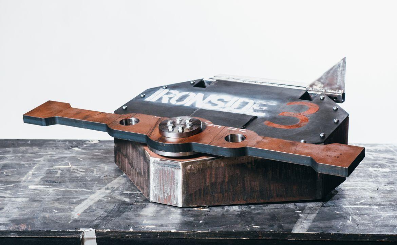 Ist der Roboter von Team Ironside 3 technisch gut genug ausgestattet, um seine Gegner in der Kampfarena aus dem Wettbewerb zu werfen? - Bildquelle: Andrew Rae