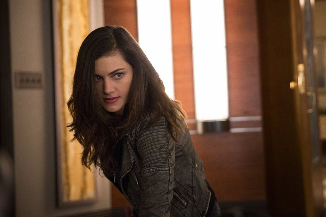 Hayley (Phoebe Tonkin) und Cami fassen einen Plan, um Klaus zu befreien. Doch dann läuft nichts wie erhofft ... - Bildquelle: Warner Bros. Entertainment, Inc.
