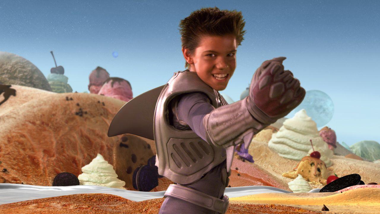 Sharkboy (Taylor Lautner) wurde einst nach einem Schiffbruch von Haifischen gerettet und aufgezogen. Mit der Zeit entwickelte er eine Haifischflosse... - Bildquelle: 2005 Miramax Film Corp. All Rights Reserved.