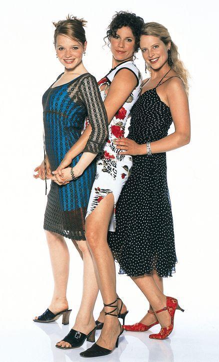Obwohl Inken (Diana Ampft, r.), Lena (Karoline Herfurth, l.) und Lucy (Jasmin Gerat, M.) inzwischen Studentinnen sind, haben sich ihre Liebesproblem... - Bildquelle: Constantin