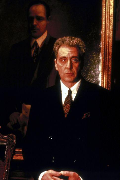 Don Michael Corleone (Al Pacino) will das Familienvermögen durch die Beteiligung an einem Immobilien-Konzern, in den auch die Vatikan-Bank investie... - Bildquelle: Paramount Pictures