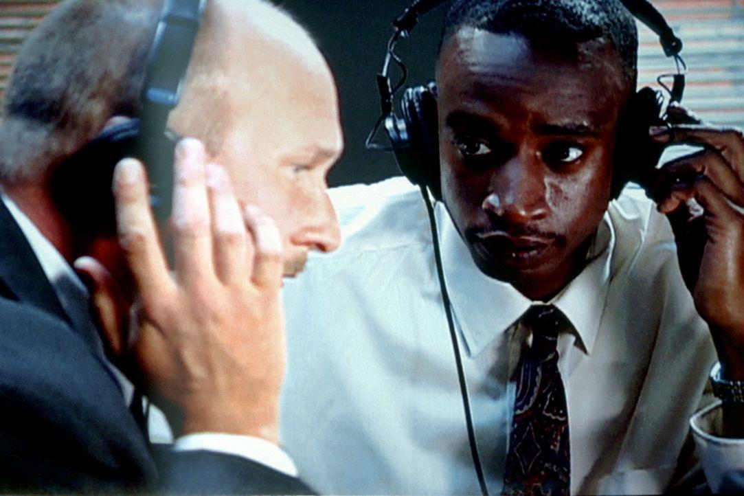 Nach der Abhörung des Telefons von Lawrence Horn und weiterer Recherchen können die FBI-Ermittler eine Verbindung zu James Perry, einem vorbestrafte... - Bildquelle: Randy Jacobson New Dominion Pictures, LLC
