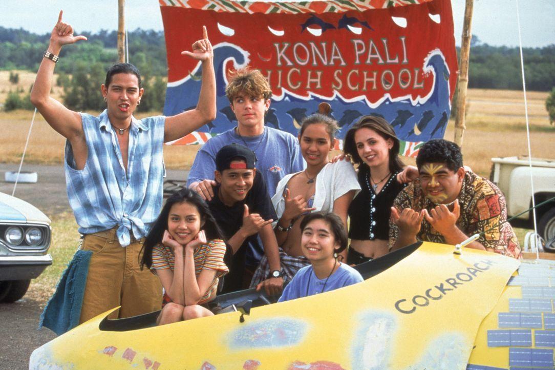 Die Schüler einer hawaiianischen High School (v.l.n.r.: Anthony Michael Ruivivar, Nadja Pionilla, Dion Basco, Casey Affleck, Adriane Napualani Ugan... - Bildquelle: TriStar Pictures