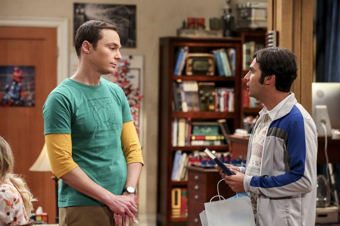 Sheldon (Jim Parsons, l.) möchte nicht, dass Kumpel Raj (Kunal Nayyar, r.) ihm seinen Platz wegnimmt, aber der scheint, in seiner aktuellen Lage kei... - Bildquelle: 2016 Warner Brothers