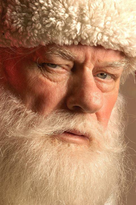 Der Hobby-Santa Claus Ozzie (Charles Durning) weiß genau, dass Wunder möglich sind - wenn man fleißig an den Problemen arbeitet ... - Bildquelle: TM &   2009 CBS Studios Inc. All Rights Reserved.