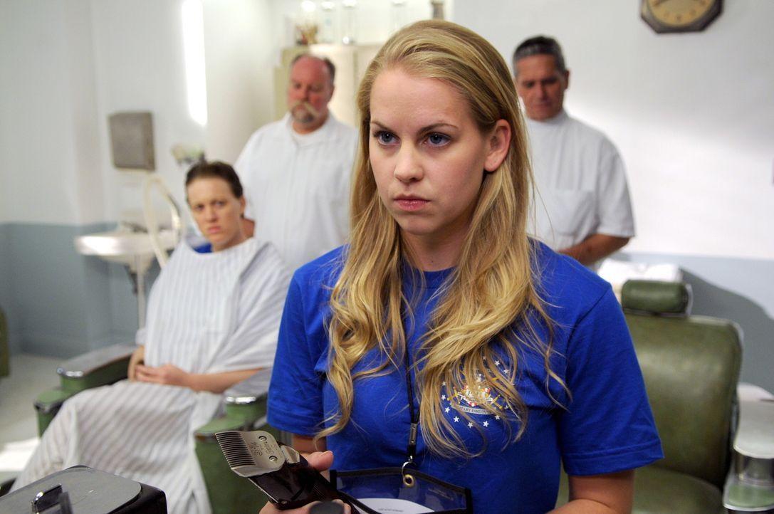 Die junge Kadettin Kate Butler (Maddy Curley) verschwindet plötzlich spurlos ... - Bildquelle: Warner Bros.