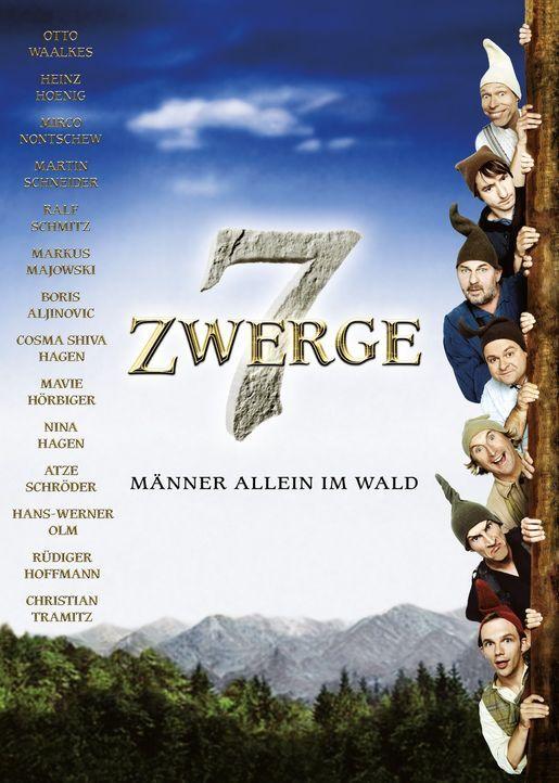 7 ZWERGE - MÄNNER ALLEIN IM WALD - Plakatmotiv - Bildquelle: 2004 Zipfelmützen Film / Film & Entertainment VIP Medienfonds 2 / Universal Pictures Productions / MMC Independent / Rialto Film